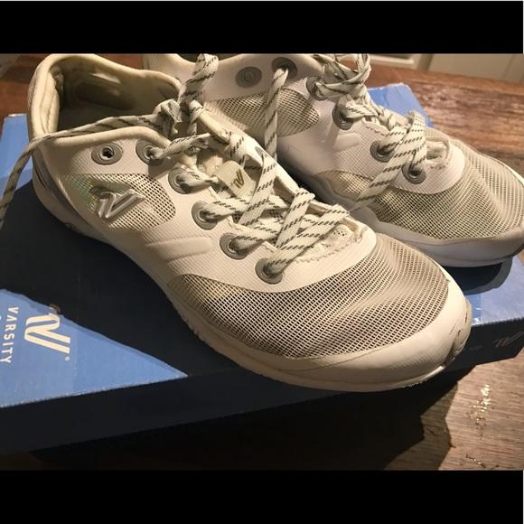 2e3f8c2793e53b Varsity Ascend Cheer Shoes. M 5b9674b2035cf17966864987